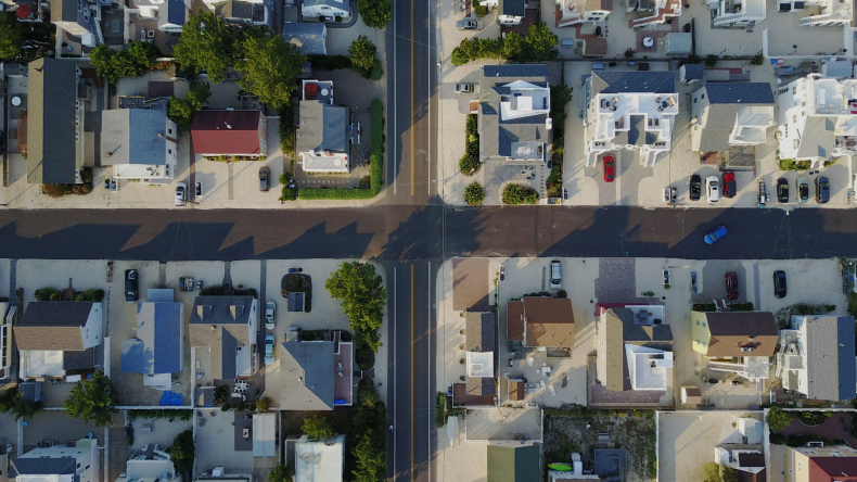 Newsweek AMPLIFY - Investing in single-family rentals