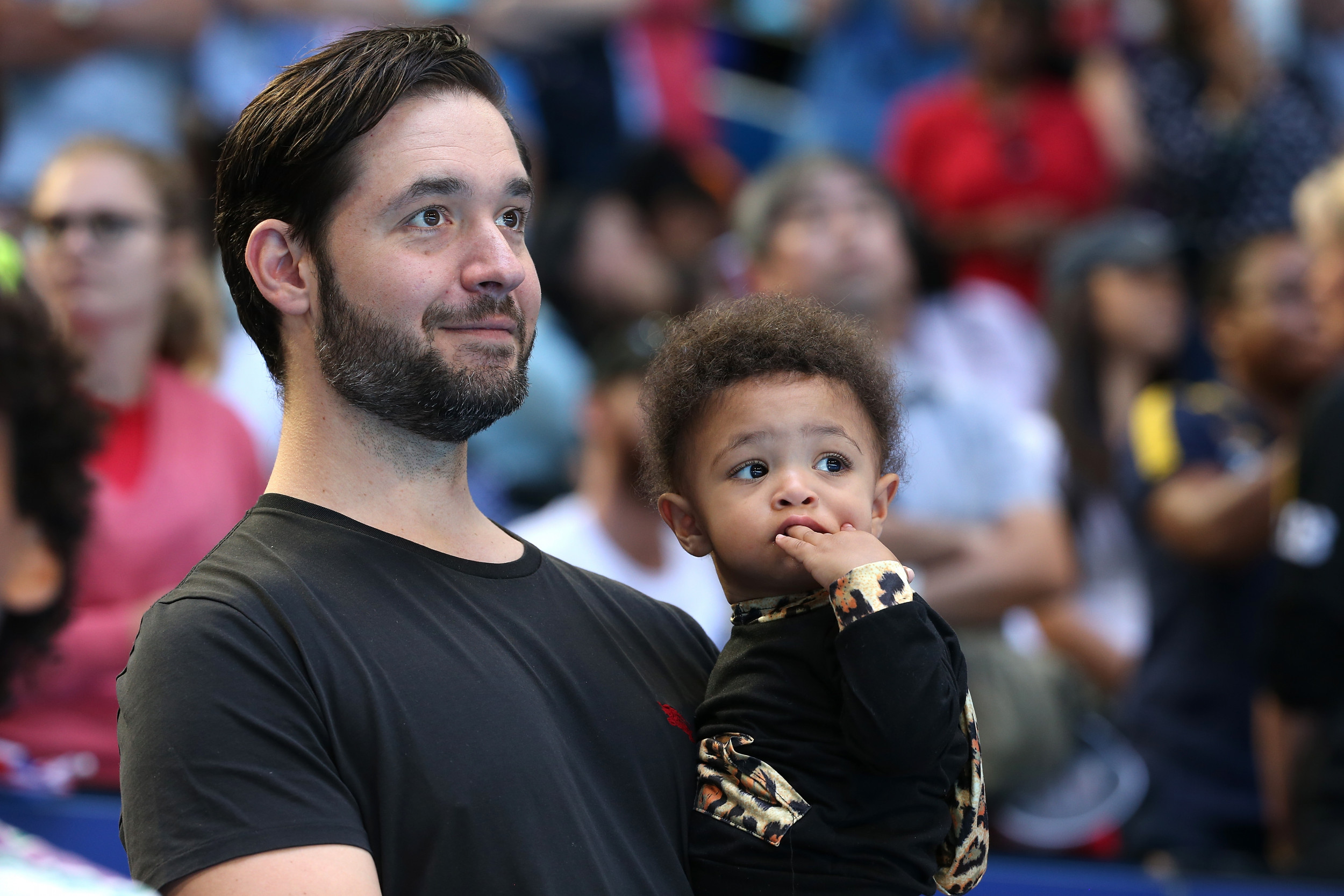 Here's why Reddit co-founder Alexis Ohanian stepped down from the board