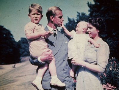 Queen Elizabeth II, Prince Philip Family Portrait