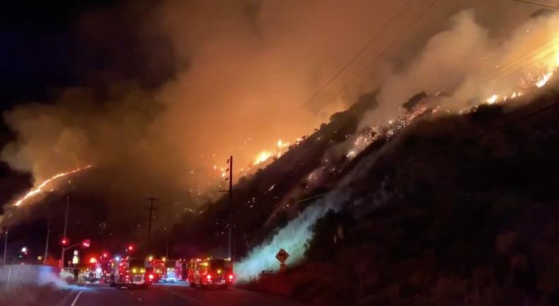 Sepulveda Brush Fire Update Los Angeles Fire Erupts Off Bel Air Freeway