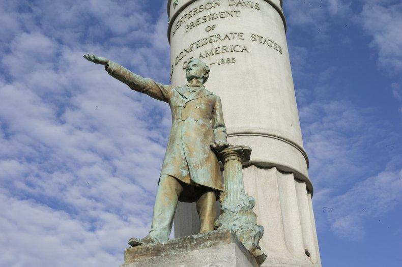 Jefferson Davis statue Richmond Virginia 2017