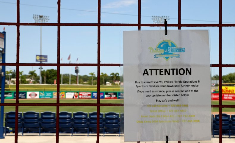 phillies spring training sign