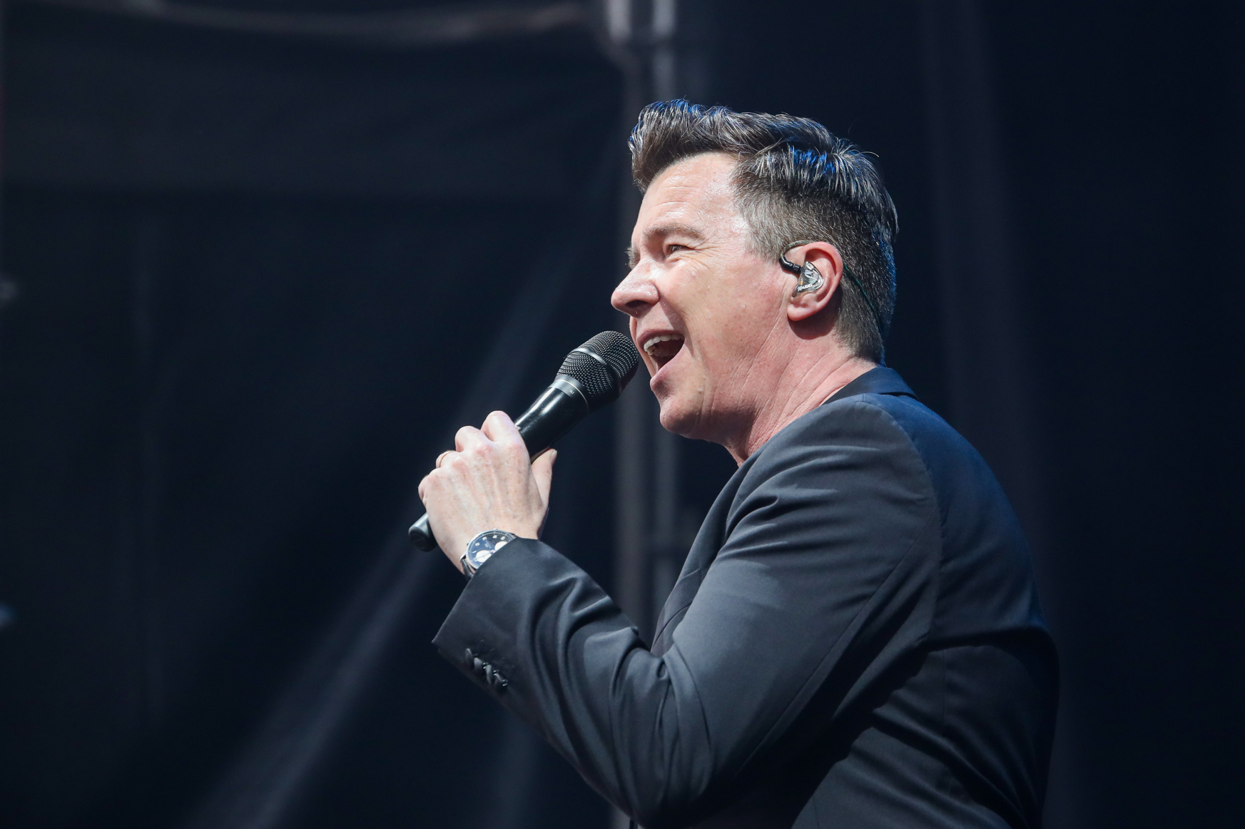 "Rick Astley covers Foo Fighters' ""Everlong,"" proves he's more than a meme"