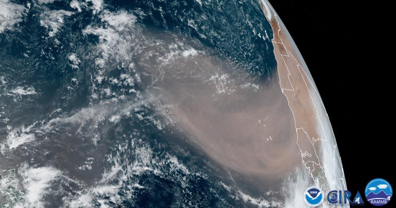 sahara dust cloud