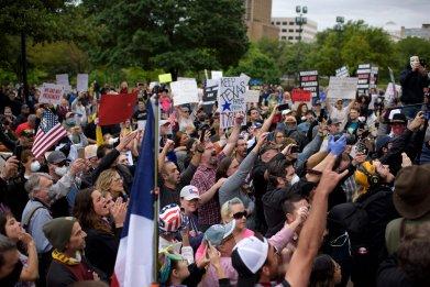 Austin, Texas protest lockdown bars