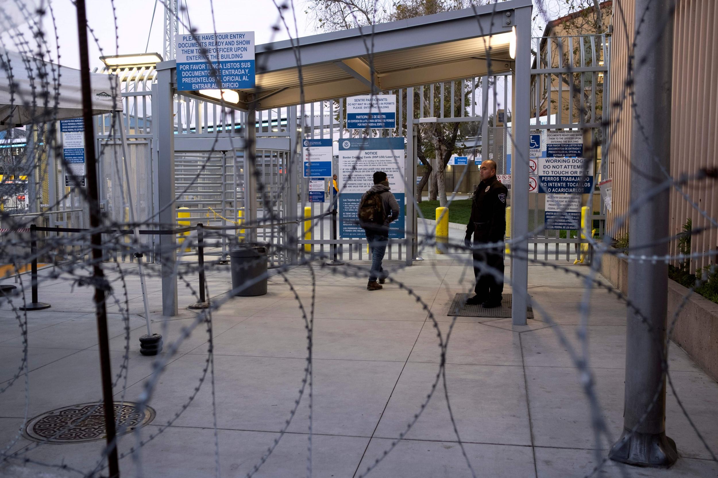 As Arizona cases surge, Mexico state next door demands strict border closure