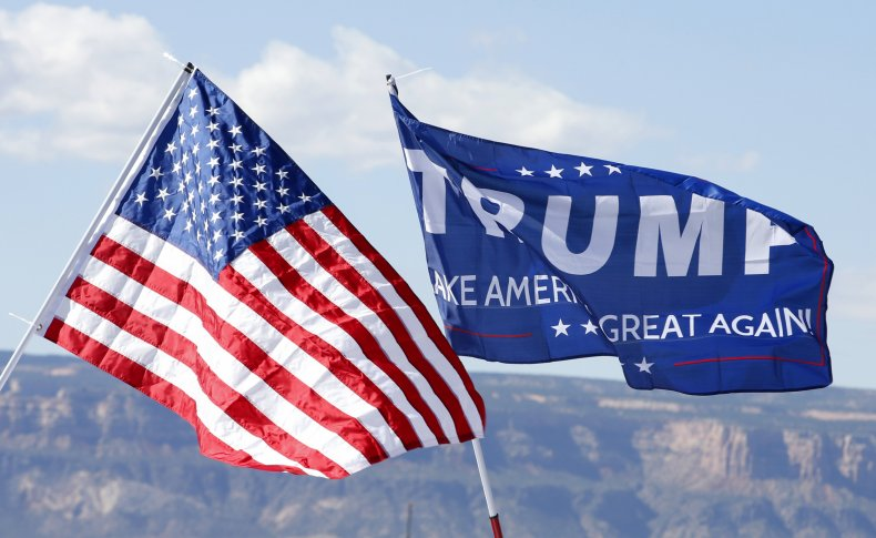 trump campaign flags 2016