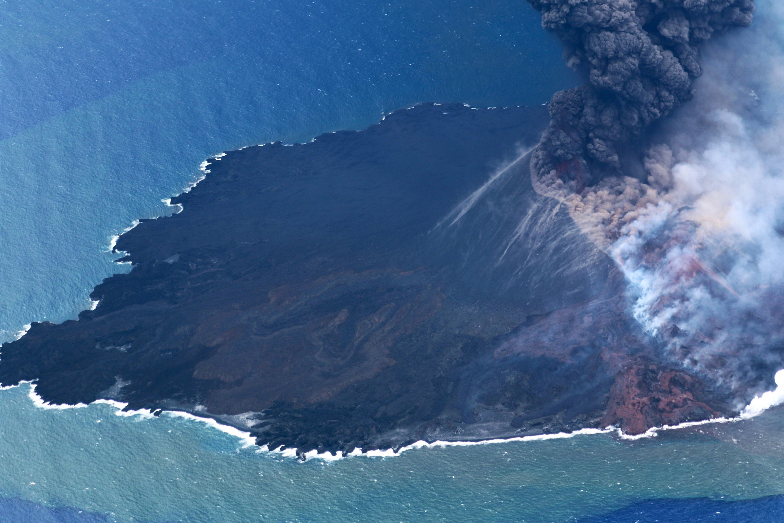 "Volcanic island in Pacific Ocean having ""vigorous growth spurt"""