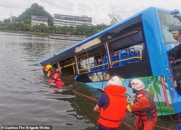 21 dead after bus in China plunges into reservoir