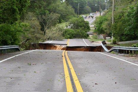Truck Falls Into Sinkhole in Missouri