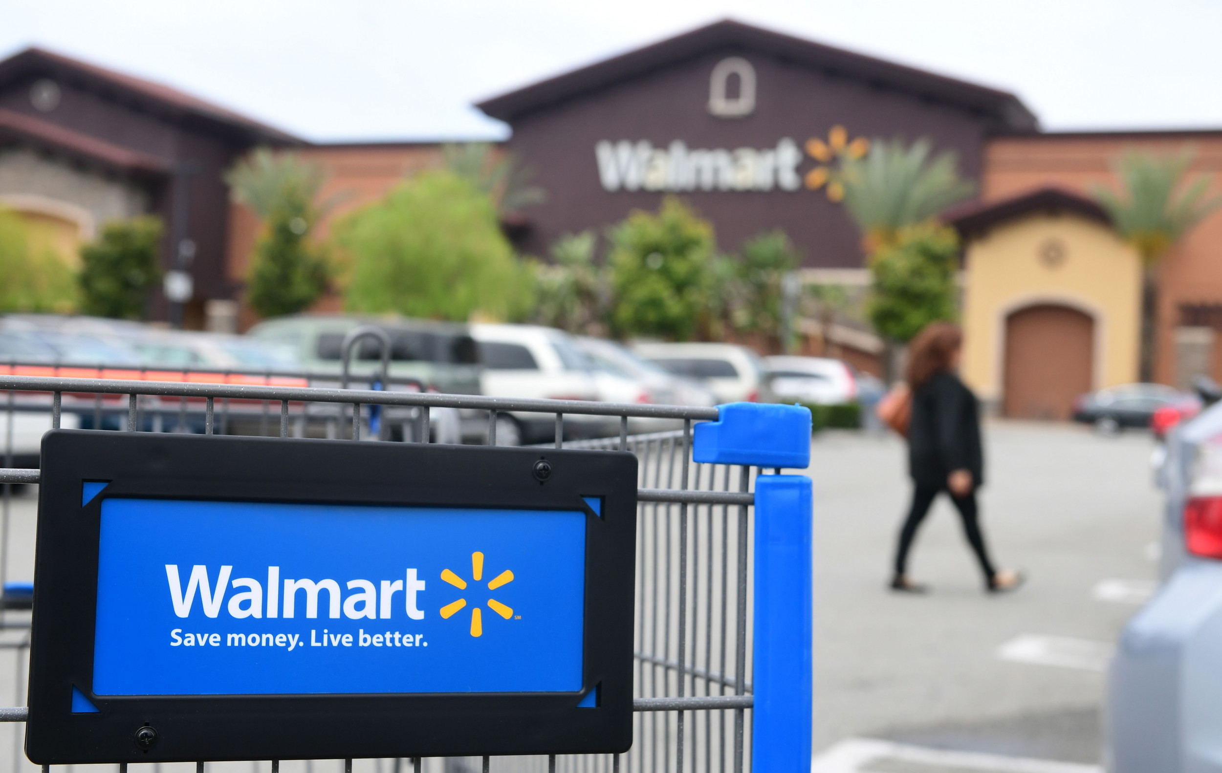 Couple arrested for coughing on Walmart employees, refusing to wear masks