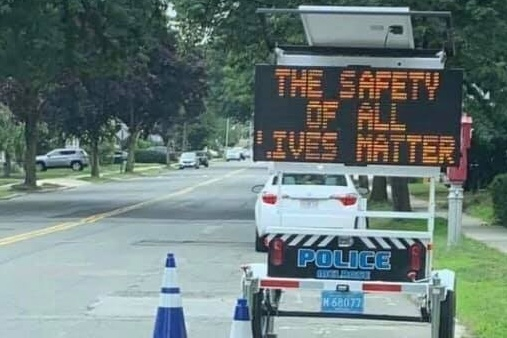 """""""All Lives Matter"""" traffic sign investigated by police"""