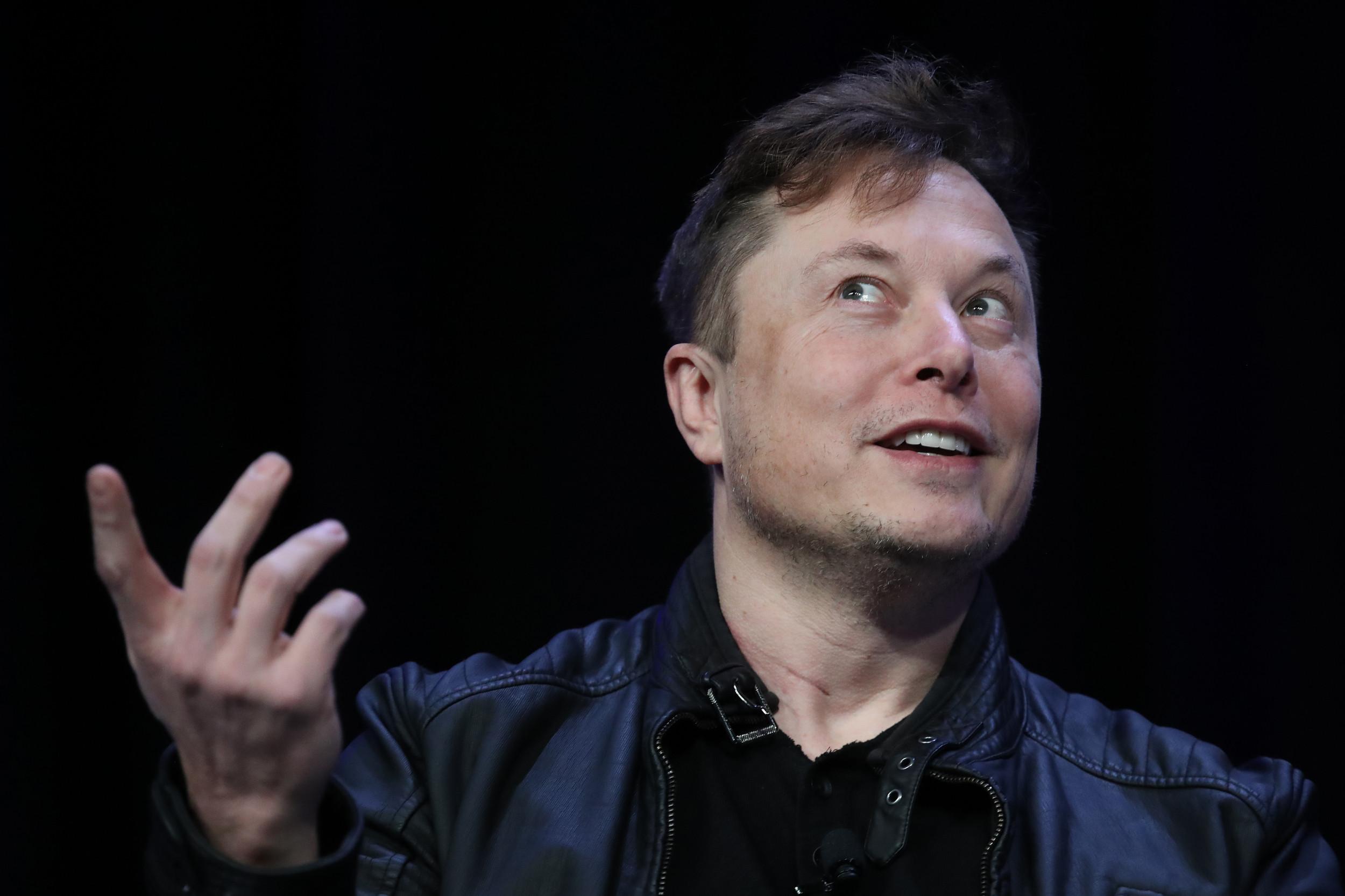 "Elon Musk says helping ""dire brain injuries"" is Neuralink's first priority"