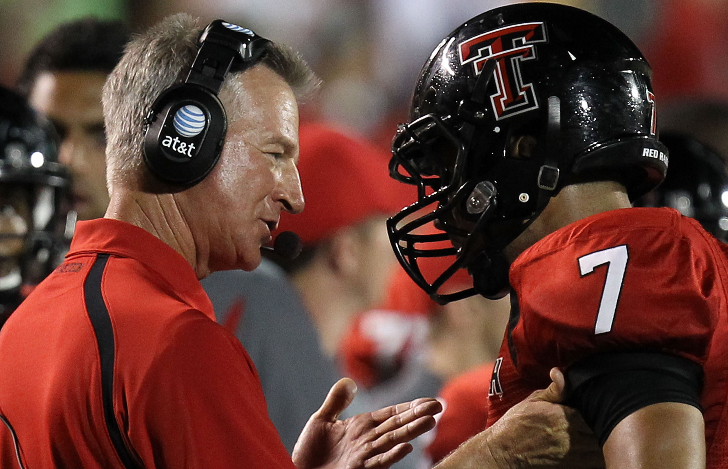 After primary win, video resurfaces of Tommy Tuberville slapping coach