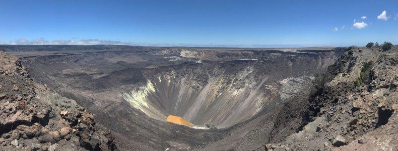 Kīlauea volcano lake