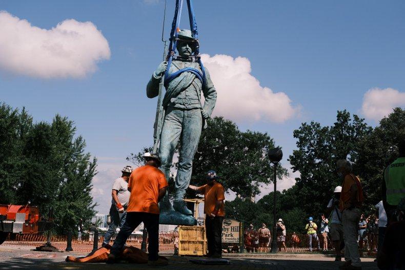 Richmond, Virginia statue removed