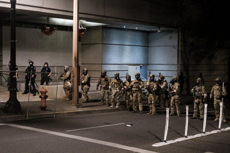 portland oregon feds arresting protester