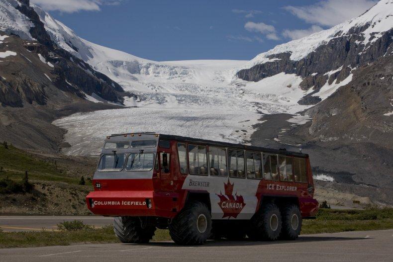 Columbia Glacier, bus crash