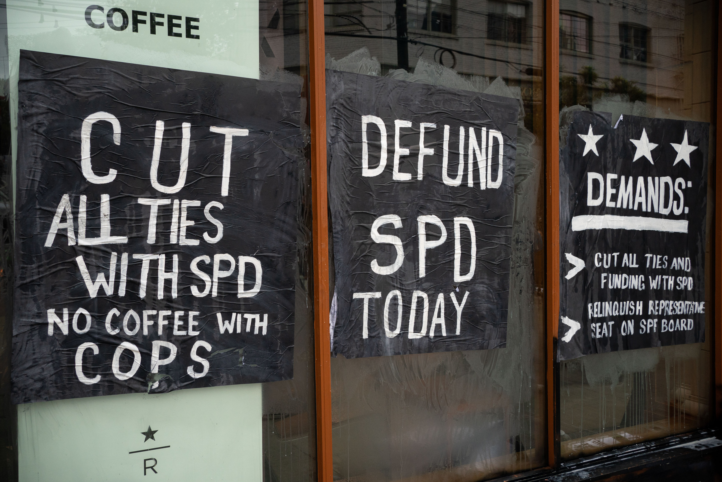 Seattle Protesters Smash Amazon Starbucks Walgreens In Riot Videos