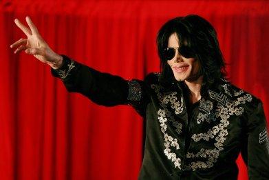 Michael Jackson., Tommy Mottola Feud Explained