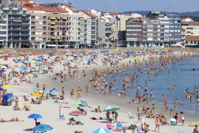 Galicia, Spain, beach, coronavirus, July 2020