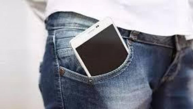 Newsweek Amplify - Carrying Your Phone Properly