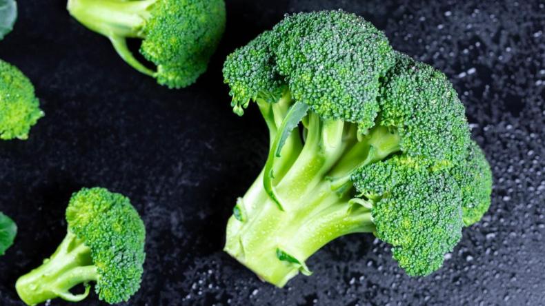 Newsweek AMPLIFY -  5 Foods to Help