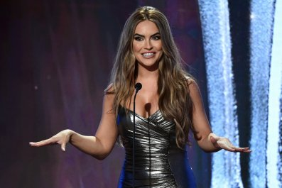 'Selling Sunset's' Chrishell Stause Has Message