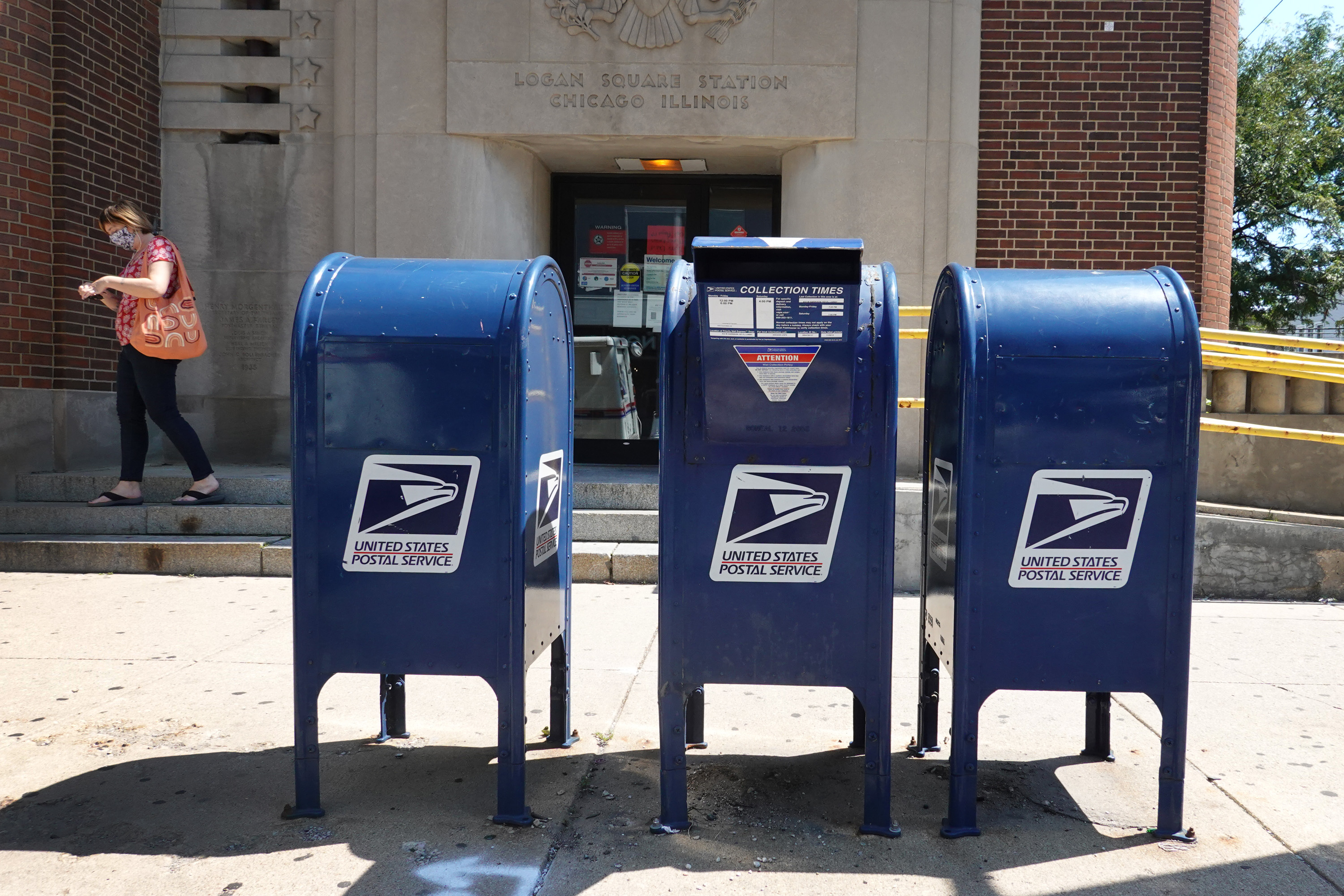 Pictures of Locked Mailboxes Circulate on Twitter Amid USPS Crisis