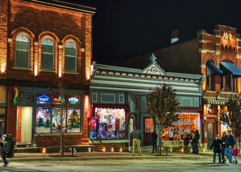Iowa: Mount Vernon
