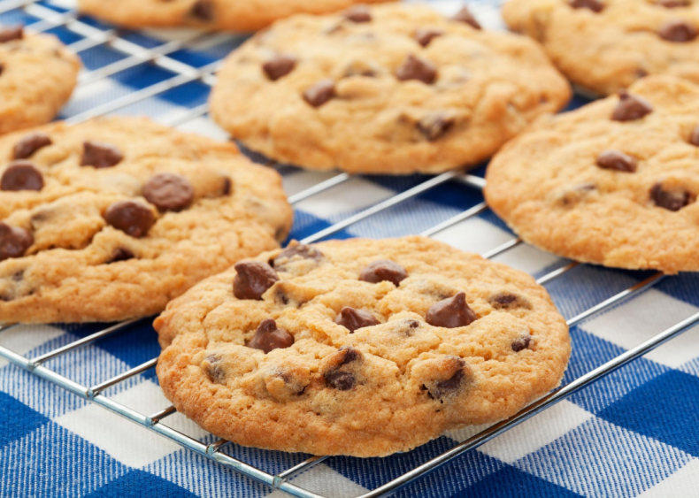 1930: First chocolate chip cookies are baked