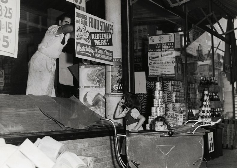 1939: Government launches food stamp program