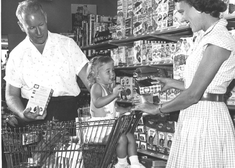 1949: Cake mixes make it big