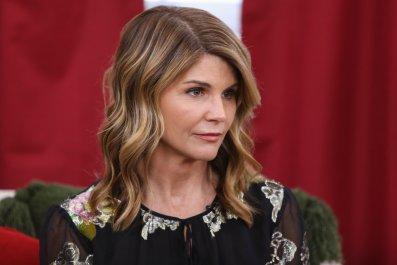 lori loughlin sentenced college admission scandal