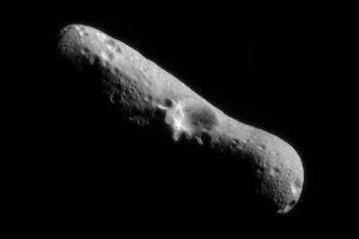 NASA image of asteroid Eros February 2000