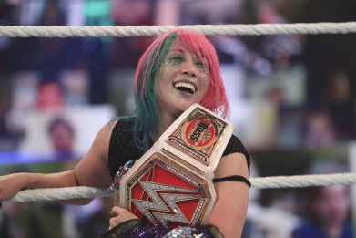 wwe asuka raw womens championship summerslam