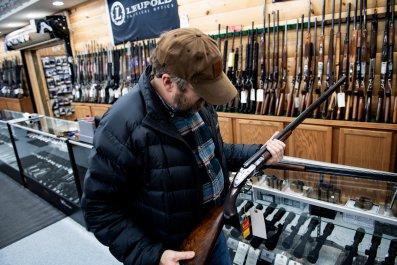 Man in gun store in Ohio