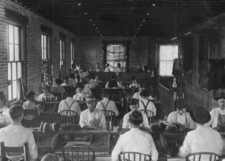 1867: Cigarmakers union welcomes women members