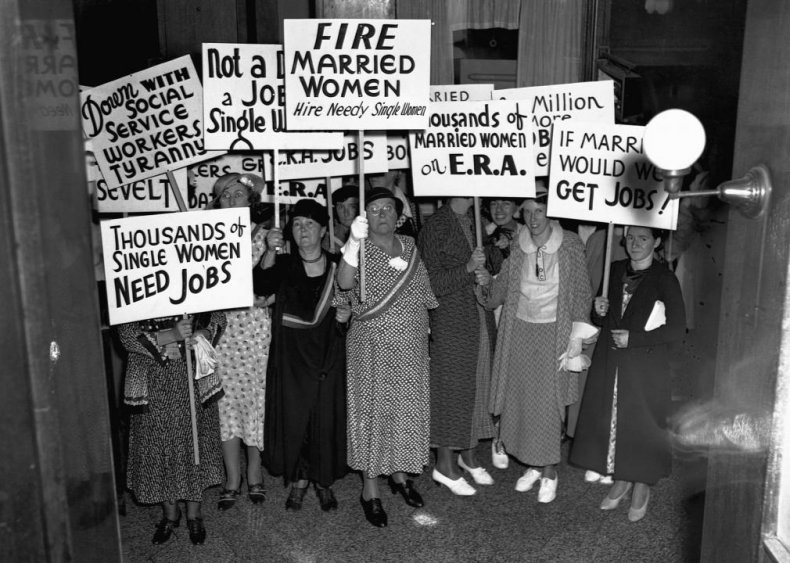 1936: Only 15% of people believe wives should work