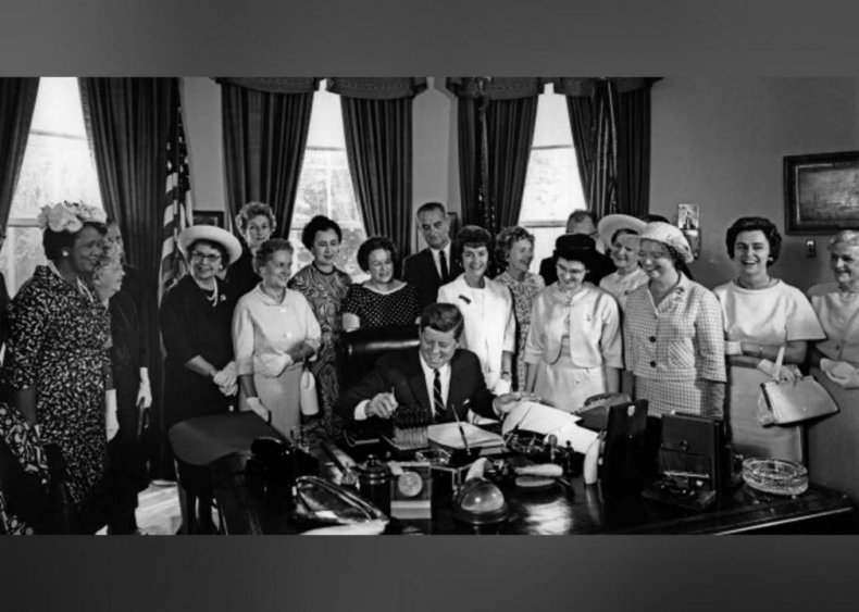 1963: Equal Pay Act gets passed