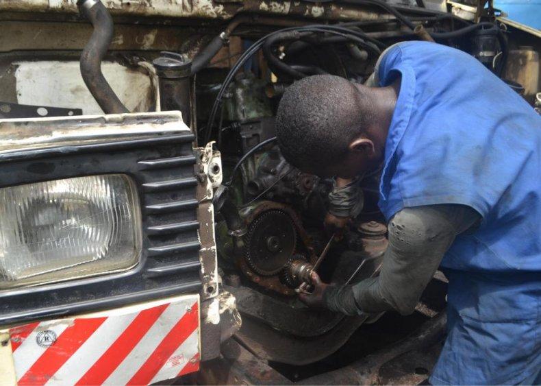 Engine and machine assembler
