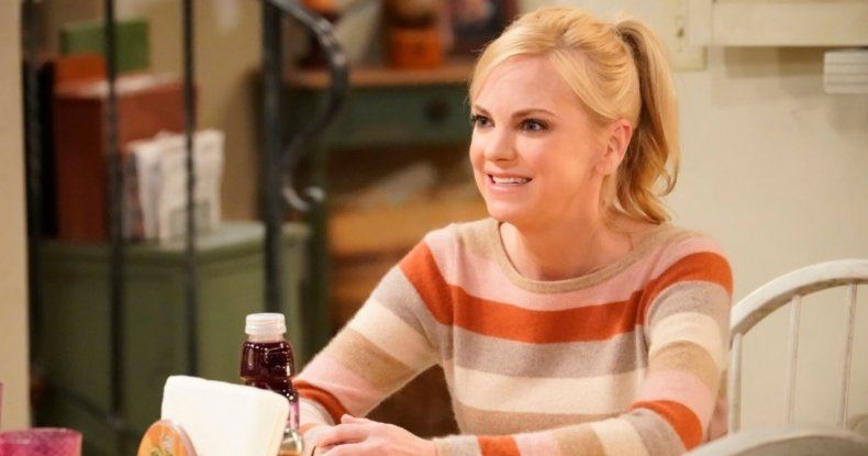 anna faris mom season 8