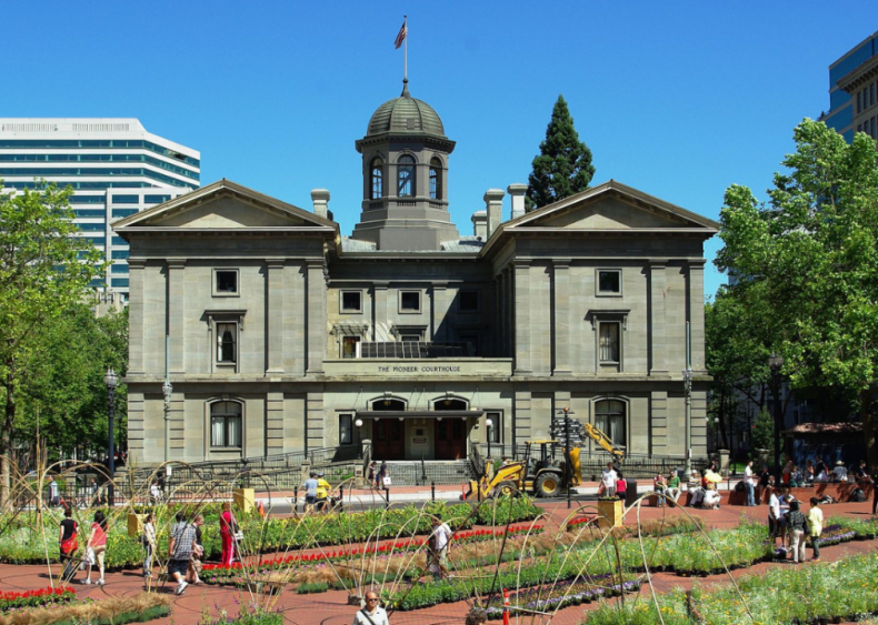 Oregon: Pioneer Courthouse
