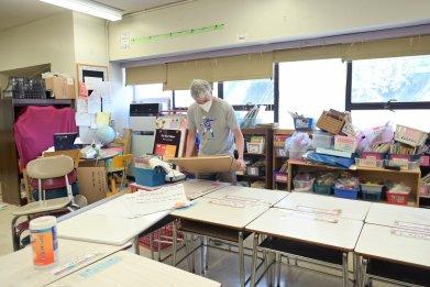 NYC teacher sets up classroom