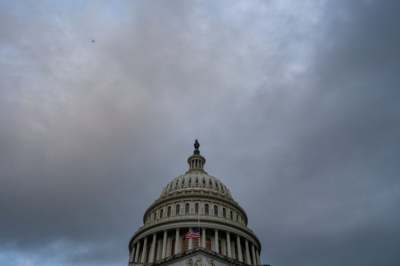 Washington leaders stall on pandemic relief