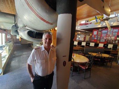 airplane, aviation, restaurant, food