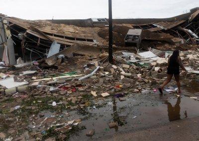 hurricane, lake charles, louisiana, destruction