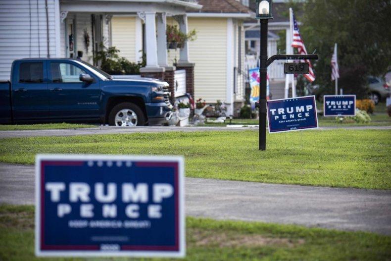 trump sign lawn