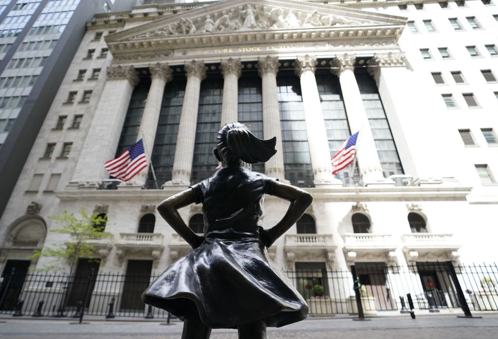 Fearless Girl Statue Given Ruth Bader Ginsburg Makeover in Tribute to Supreme Court Justice