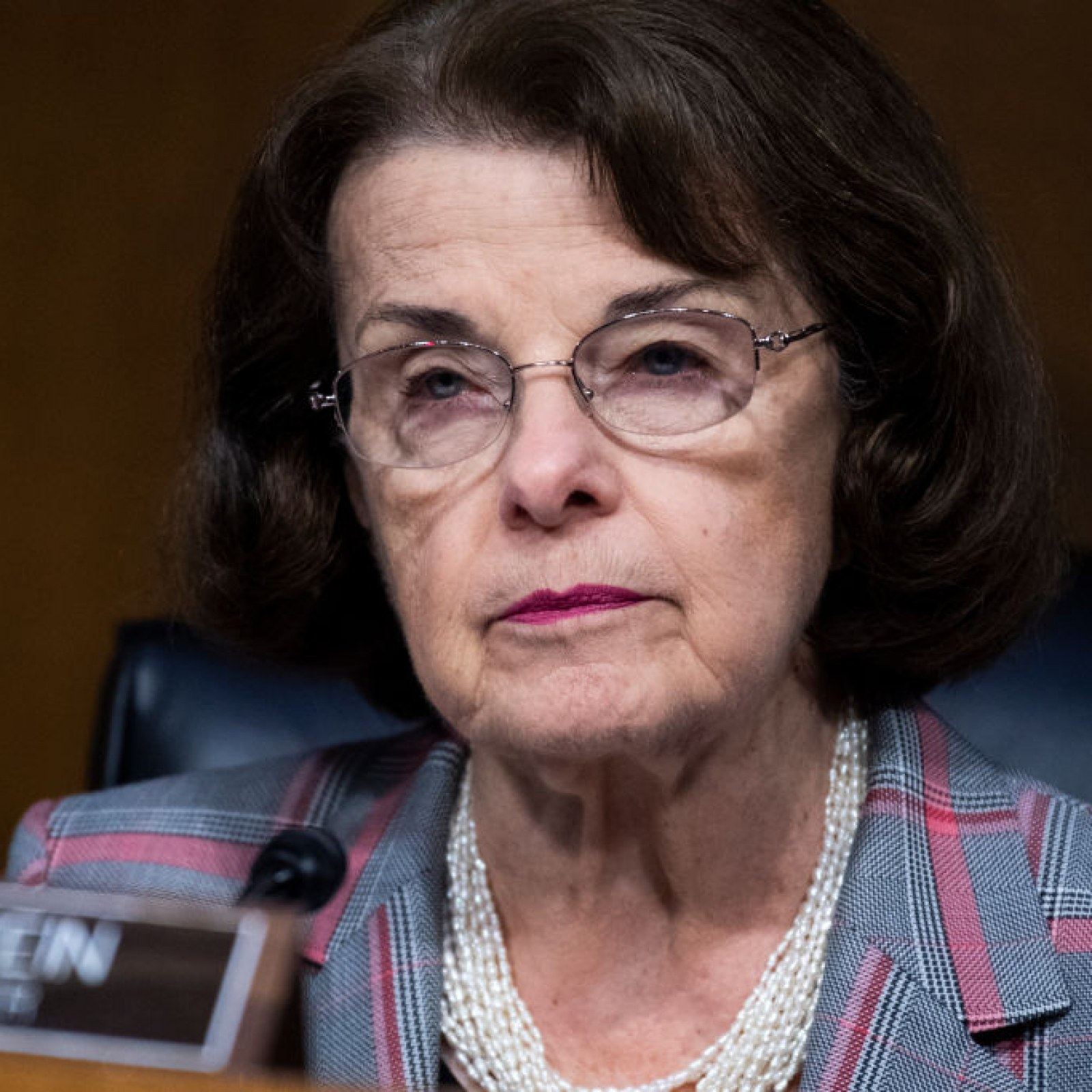 democrats furious as dianne feinstein demurs on packing supreme court democrats furious as dianne feinstein